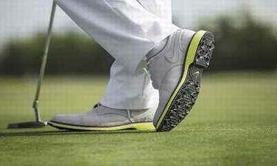 chaussure golf nike junior